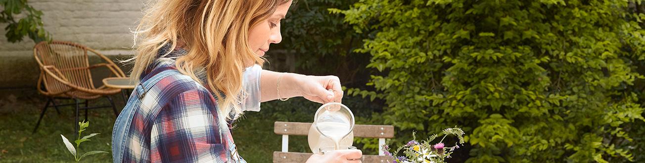 Plantaardige<br/>Alternatieven Voor<br/>Yoghurt Met Fruit &<br/>Vanille